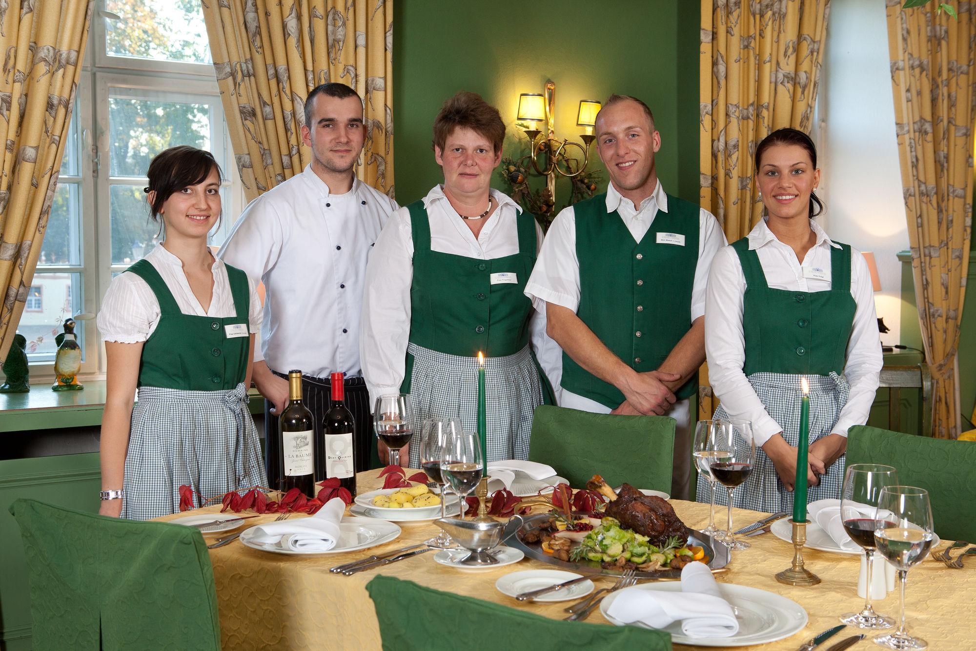 Urlaub im Schloss - Restaurant Spreewald - Urlaub Spreewald - Schlosshotel Brandenburg - Schloss Lübbenau im Spreewald - Jobs